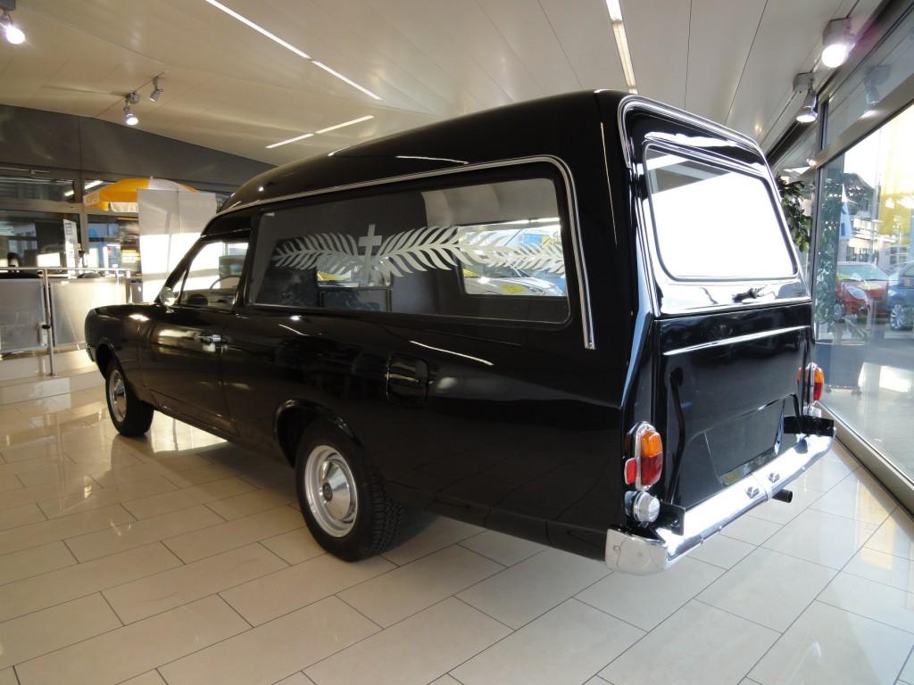 mb exotenforum sonderkarossen umbauten tuning w123 200 leichenwagen. Black Bedroom Furniture Sets. Home Design Ideas